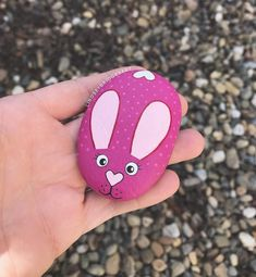 Pebble Painting, Dot Painting, Pebble Art, Stone Painting, Rock Painting Patterns, Rock Painting Ideas Easy, Rock Painting Designs, Painted Rock Animals, Hand Painted Rocks