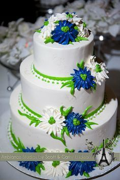 Royal blue and lime green wedding cake!!! | Sisters wedding ...