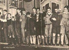 İstanbul'da, Beyoğlu Opera Sineması'nda yapılan Yoyo Yarışması, 1932... #birzamanlar #istanbul #istanlook