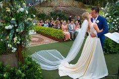 Um casamento em Florianópolis com vista para o mar. Confira como foi o Grande Dia de Atanisa e Zenon