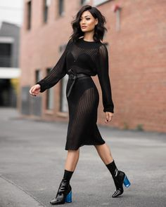 How to Get Edgy Summer Looks with Micah Gianneli: Be unexpectedly sexy and edgy on your street style. News Fashion, Trend Fashion, Fashion Weeks, Look Fashion, Fashion Styles, Winter Fashion, Moda Chic, Moda Boho, Looks Street Style