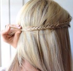 So cute!! Wish I could do this with my hair