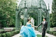 We'll be dreaming of this blue princess-worthy gown and real life fairytale for days!