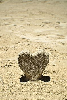 Beach Sand Heart ♡ Two things I love.the beach and hearts. I Love Heart, With All My Heart, Heart In Nature, Heart Art, Sand Sculptures, I Love The Beach, Sand Art, To Infinity And Beyond, Beach Bum