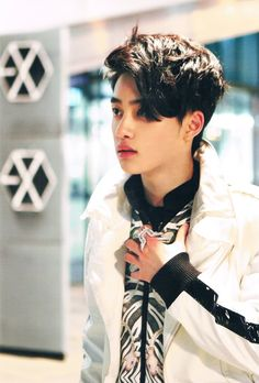 🐧❤💕💞 уσυ ѕмιℓє, ι ѕмιℓє I'll always wait for you. 💝💜💛💚💙 My Prince myboy💙 😍😍😍 WeMissYouKyungsoo loveforever 도경수 디오 DO (D.O. Kyungsoo, Park Chanyeol Exo, Do Kyung Soo, Kim Min Seok, Xiu Min, Exo 12, Chansoo, Kim Junmyeon, Exo Memes