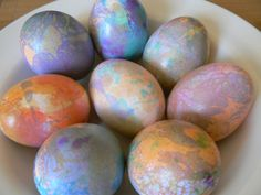 Great Easter activity with the kids. Mix 1 Tbsp oil, 1 Tbsp vinegar, food colouring, and enough water to cover. Dip your egg, pat dry, then repeat with a new colour.