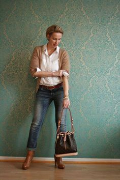 Fashionable over 50 fall outfits ideas 117