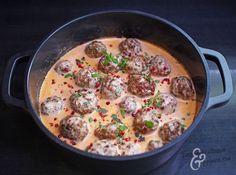 How To Succeed - Guaranteed Plush And Delicious Meatballs / Tinsku Kitchen . I Love Food, Good Food, Yummy Food, Tasty Meatballs, No Salt Recipes, Salty Foods, Just Eat It, Food Hacks, Food Inspiration