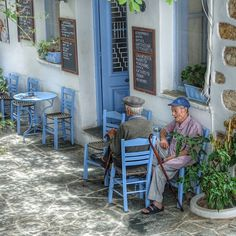 Pappous at little corner cafe in Folegandros Island, Greece Greece Tours, Greece Itinerary, Greek Blue, Go Greek, Santorini Greece, Athens Greece, Greek Decor, Corner Cafe, Coffee Places