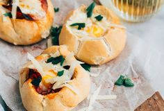 Sandwiches filled with egg and chorizo - WDF Best Breakfast, Breakfast Recipes, Eggs In Bread, Pizza Wraps, A Food, Good Food, Custard Cake, Chorizo, Easter Brunch