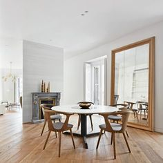 Lucas y Hernández-Gil reconfigures 19th-century Madrid apartment to let in…