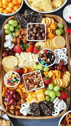 Healthy Snacks Sweet and Salty Snack Board-the perfect party food for easy entertaining. - Make a Sweet and Salty Snack Board for your party! This spread is perfect for easy entertaining. Snack Platter, Party Food Platters, Cheese Platters, Platter Ideas, Snack Trays, Cheese Table, Dessert Platter, Food Buffet, Party Trays