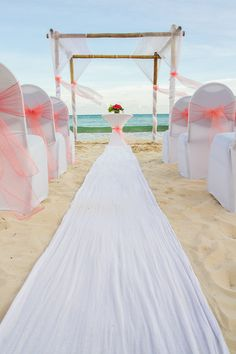 Say your vows on the beach with perfect decor and the perfect view! #NowJadeRivieraCancun #Mexico #DestinationWedding