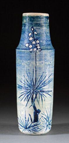 Newcomb College High Glaze Art Pottery Vase : Lot 443