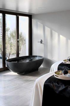 STIJLIDEE STYLINGTIPS voor de Badkamer   Waar moet je op letten bij het kiezen van een bad?   Fotografie: via Pinterest via www.stijlidee.nl