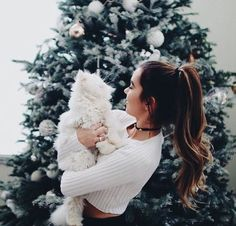Christmas Aesthetic - Christmas girl and white cat - Christmas_Winter_New Years Eve Years❄ - Katzen Bts Christmas, Christmas Photos, Vintage Christmas, Tumblr Couples, Tumblr Girls, Christmas Aesthetic, Dog Photography, Most Beautiful Pictures, Beautiful Dogs