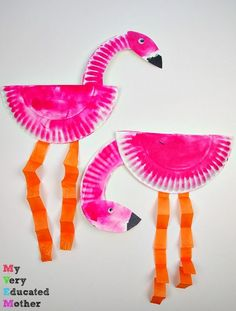 A great kids craft - paper plate flamingos!
