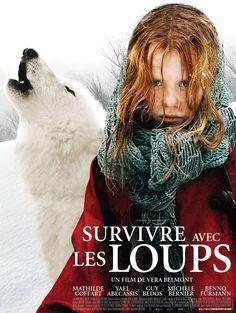 Выживая с волками. Гениальная игра маленькой актрисы, потрясающе! Фильм интересный, трудный и жестокий. Животные лучше людей, в который раз убеждаюсь!