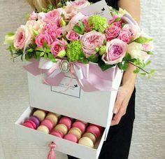 New Ideas Flowers Bouquet Present Floral Arrangements – Diy Garden İdeas Deco Floral, Arte Floral, Floral Design, Flower Box Gift, Flower Boxes, Gift Flowers, Floral Flowers, Rosen Box, Flower Packaging