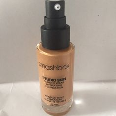Smashbox Studio Skin 15 hour hydrating Foundation Unused but lost the cap as is per image - color 3.1 Smashbox Makeup Foundation