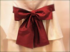 how to tie a perfect bow on a dress