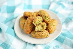Cheesy Green Giant Broccoli Tot Bites - Kitchen Divas Broccoli Bites, Broccoli And Cheese, Veggie Tots Recipe, Healthy Veggie Snacks, Pumpkin Delight Dessert Recipe, Dessert Recipes, Green Giant Veggie Tots, Best Dip Ever, Desert Recipes