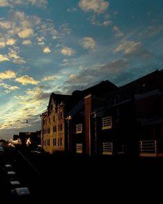 [katajanokka] #helsinki #finland_ sep.2oo4.  #frommywindow #sunset #lighting #composition#clean #photoshoot #photography #moment#landscape#leica#lifestyle#styles#journey#citylife#라이카#사진#촬영#북유럽#자연#풍경사진#스타일#헬싱키 by designoon_hong