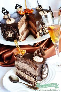 tort-pax-sectiune-intreg-amareto Chocolate Fondue, Tiramisu, Panna Cotta, Biscuits, Food And Drink, Sweet, Ethnic Recipes, Desserts, Home