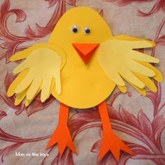 Super cute easy Easter Chick Craft using kids Handprints from @momvstheboys Thanks for sharing with #linkedmoms