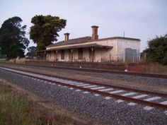 The Clunes Railway Station many years ago before it was upgraded to the lovely and restored building it is today Australian Architecture, Paris Shopping, Historic Houses, Victoria Australia, Historical Pictures, Train Station, Old Photos, Railroad Tracks, Trains