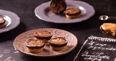 Γλύκισμα με σοκολάτα και φιστικοβούτυρο από τον Άκη Πετρετζίκη. Το ιδανικό γλυκάκι για τις ώρες της λιγούρας! Ταρτάκια με βάση φιστικοβούτυρο και σοκολάτα!