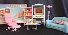 GLORIA DOLLHOUSE FURNITURE SIZE FAMILY ROOM  W/ SOFA TV LAMP PLAYSET For Barbie