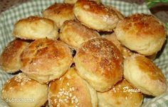 Fotorecept: Kapustové pagáčiky Bread Recipes, Cooking Recipes, Russian Recipes, Appetisers, Yummy Appetizers, Pretzel Bites, Buffet, Muffins, Rolls