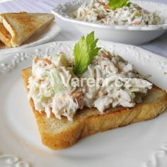 Celerový salát s kuřecím masem recept - Vareni.cz Baked Potato, Potatoes, Baking, Ethnic Recipes, Food, Bulgur, Potato, Bakken, Essen