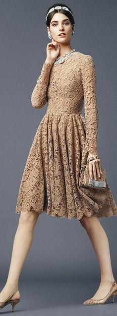 Dolce & Gabbana, Spring/Summer 2014, Beigevestidos de seda julunggul