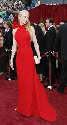 Nicole Kidman shows off her long & lean figure in a sleek red dress!