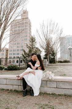 #ashevilleelopement #urbanelopement #northcarolinaelopement #elopeasheville #elopenorthcarolina #urbanwedding #urbanintiamtewedding #urbaninspo Asheville, Elopements, Destination Wedding, Sunrise, Urban, Adventure, World, Travel, Viajes