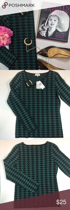 Carmen Marc Valvo green /black houndstooth sweater Stunning green & black houndstooth sweater with circular gold detailing on the right shoulder  💚 Size: Medium 🖤 Material: 63% Rayon, 37% Nylon 💚 Retail: $98  ▪️Open to reasonable offers ▪️ Carmen Marc Valvo Sweaters Crew & Scoop Necks