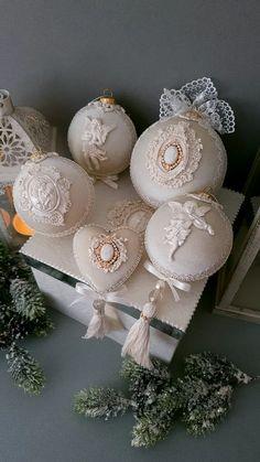 ДЕКОР НОВОГОДНИЙ | kunst Shabby Chic Christmas Ornaments, Christmas Vases, Christmas Balls Decorations, Christmas Ornament Sets, Christmas Holidays, Christmas Wreaths, Christmas Gifts, Edible Wedding Favors, Diy Projects To Try