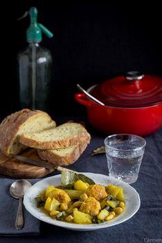 Potaje de vigilia - Potaje de albóndigas de bacalao - Cod balls and legumes soup - No quieres caldo? ... Pues toma 2 tazas.