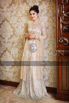 Pinned by Hareim Malick. Pakistani Wedding Dresses, Pakistani Bridal, Pakistani Outfits, Bridal Lehenga, Indian Dresses, Bridal Dresses, Shadi Dresses, Reception Dresses, Beautiful Dresses