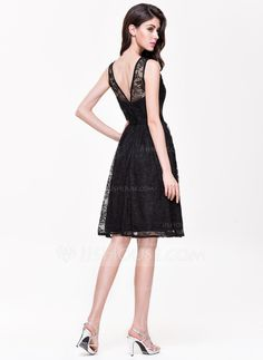 A-Line/Princess Scoop Neck Knee-Length Lace Bridesmaid Dress (007068373)