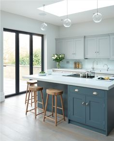Modern Kitchen Design Modern meets Edwardian - transitional - Kitchen - South East - Rencraft Ltd - Kitchen Cabinets Color Combination, Two Tone Kitchen Cabinets, Kitchen Cabinet Colors, White Cabinets, Kitchen Island, Two Toned Kitchen, Cupboards, Shaker Cabinets, Coloured Kitchen Cabinets