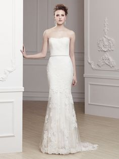 Olva Modeca 2013 Front View Enzoani.  im starting to notice a trend.  Tulle and Lace are my style:)