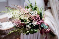 La Masía Les Casotes | Ramos de novia #Ramo #Flores #decoracion #inspiracion Wedding Bouquets, Our Wedding, Floral Wreath, Wreaths, Table Decorations, Flowers, Instagram Posts, Plants, Garden