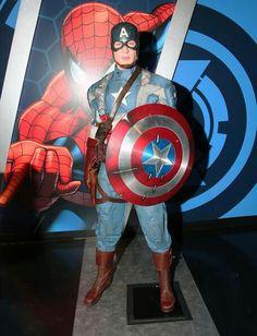 Captain America sculpture