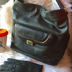 """Olivia + Joy - Hunter Green & Black Bragger Bag BNWT Gorgeous two-toned leather hobo bag in deep hunter green + black with gold hardware. Open by the top zip closure to find a fully lined interior complete with a zip pocket and two slip pockets. Two exterior pockets, (a zip pocket & snap pocket) on either side offer even more places to stow items. Carry by the shoulder strap with a 6 1/2 inch drop. Perfect for winter! 15 W x 12.5"""" H x 6"""" D Olivia + Joy Bags Hobos"""