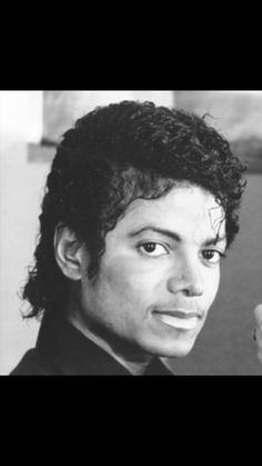 Michael Jackson - Cuteness in black and white ღ  @carlamartinsmj