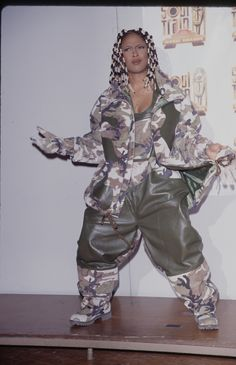 Ahead of the anniversary of Essence Festival, we're running down some of the performers' best looks, starting with those of Da Brat. 00s Fashion, Hip Hop Fashion, Look Fashion, Woman Fashion, Fashion Killa, Runway Fashion, 90s Female Rappers, Da Brat, Rihanna Love