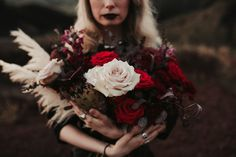 Dark flowers, black pampas, black roses, red roses, statement bouquet, Protea bouquet, moody tones, vintage style, gothic style Black Roses, Red Roses, Protea Bouquet, Vintage Style, Vintage Fashion, Dark Flowers, Gothic Fashion, Wedding Bouquets, Wedding Brooch Bouquets